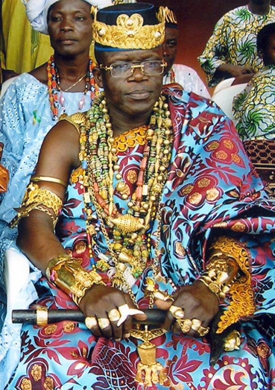 Le roi Tosso Gbaguidi XIII à l'inauguration du panthéon de la résistance africaine